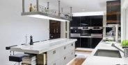 دکوراسیون آشپزخانه روشن و شیک