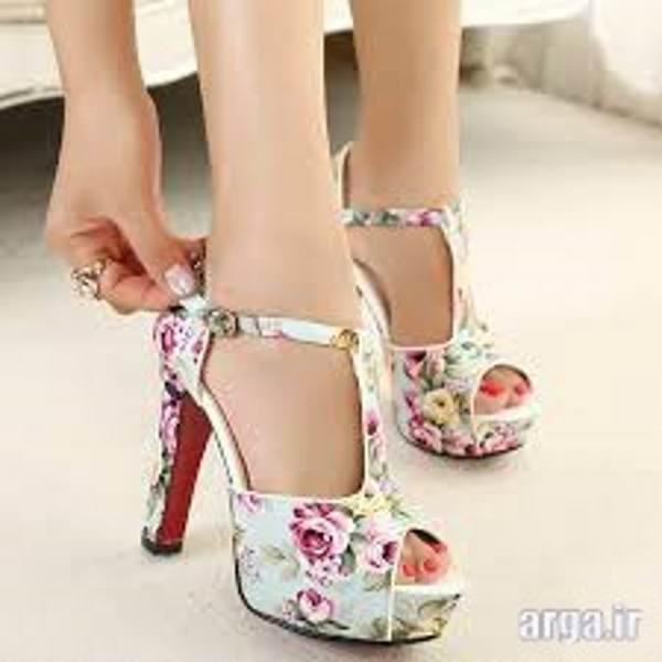 کفش پاشنه بلند گل گلی