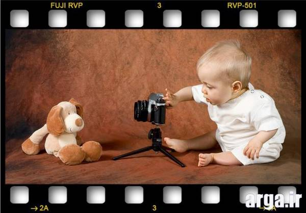 عکس کودکان بامزه با دوربین