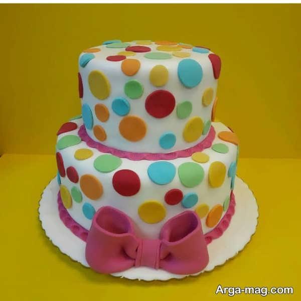 تزیینات جذاب کیک تولد دو طبقه