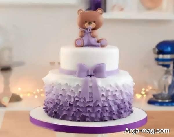 تزیینات دوست داشتنی کیک تولد دو طبقه