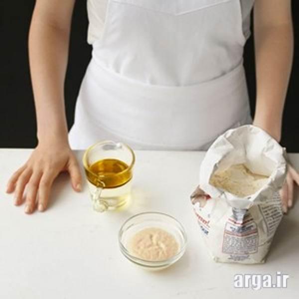 مرحله اول طرز تهیه خمیر پیتزا