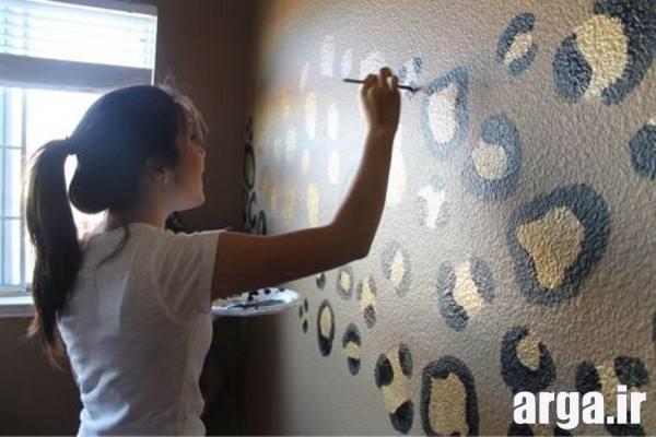 تزیین و نقاشی دیوار