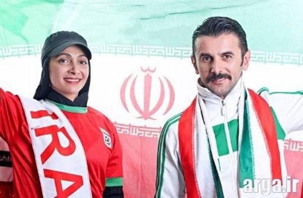امین حیایی و همسرش با پرچم ایران
