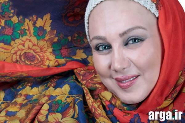 بهنوش بختیاری با روسری گل گلی
