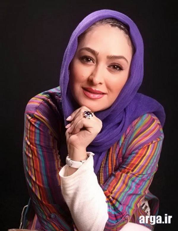 ژست نشسته  خانم حمیدی