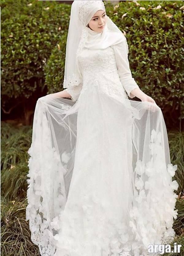 لباس عروس پوشیده حریر
