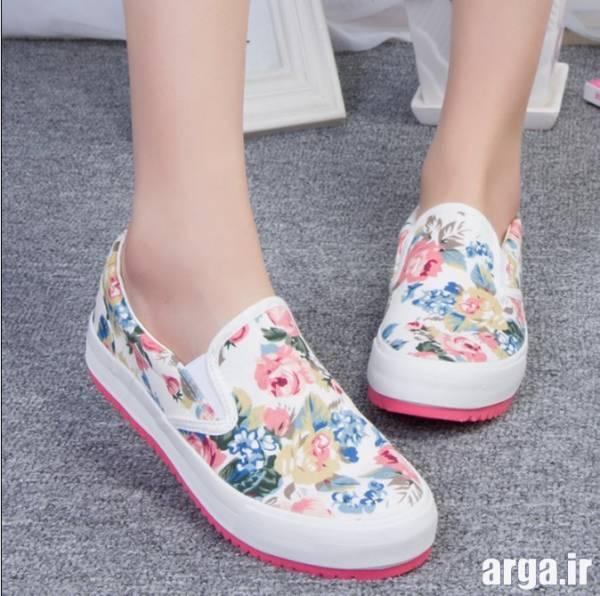 کفش اسپرت گل دار
