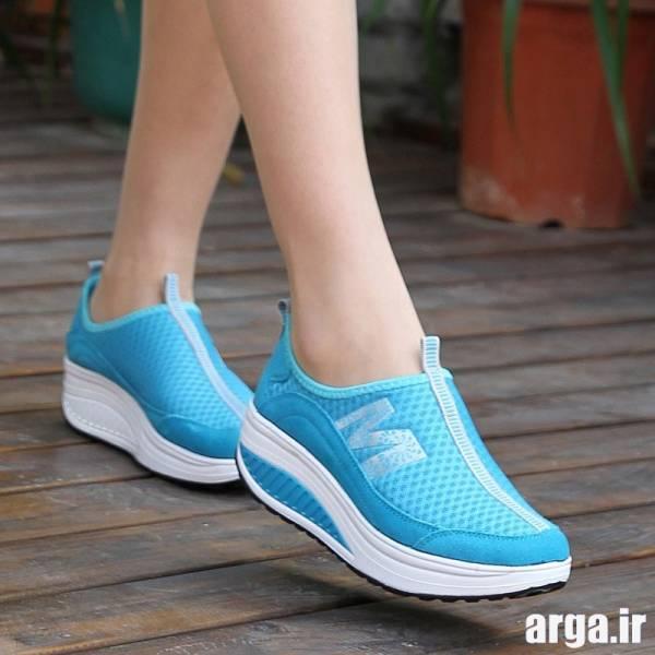 کفش اسپرت آبی