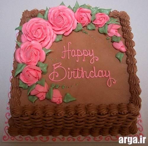 تزیین کیک تولد با گل های رز