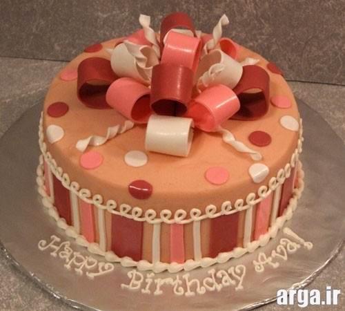 کیک تولد کادو پیچ