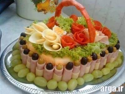 تهیه سبد زیبا و کیک مرغ