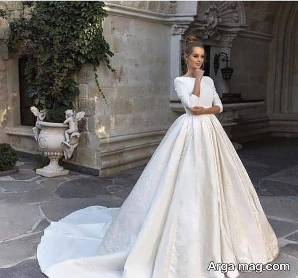 لباس عروس آستین دار با طرحی خاص