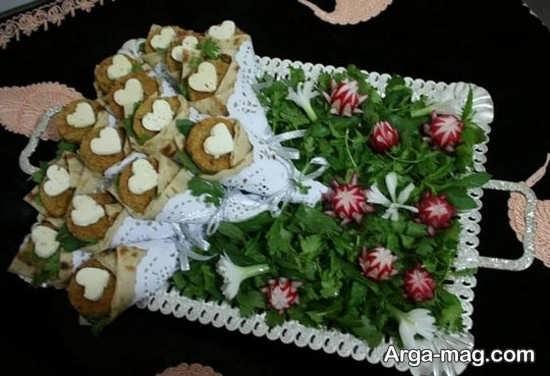 تزیینی زیبا از نان و پنیر و سبزی سفره عقد