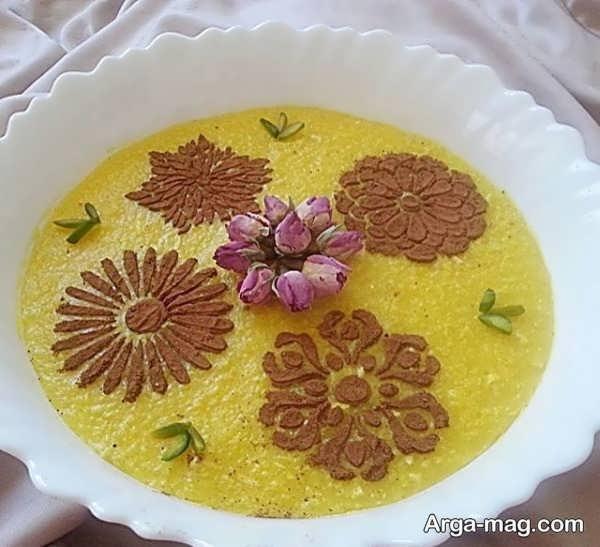 تزیینات ساده شله زرد با گل محمدی