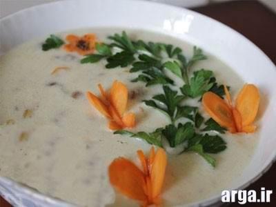 سوپ شیر و قارچ و تزیین