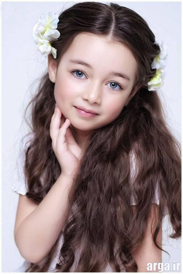 دختر بچه جذاب و زیبا
