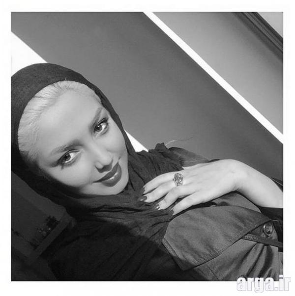 مهسا کامیابی در عکس سیاه و سفید