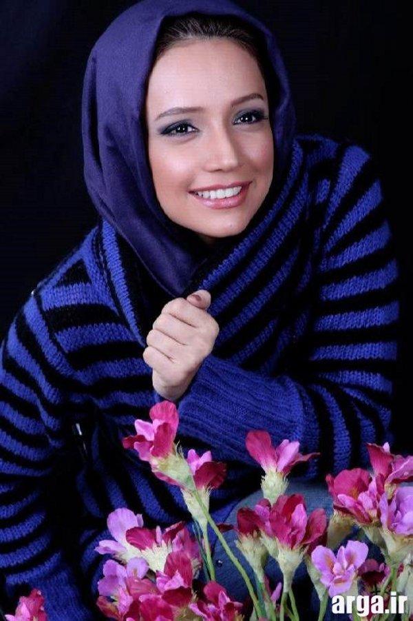 شبنم قلی خانی با شال آبی پررنگ