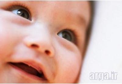 نوزاد چهار ماهه