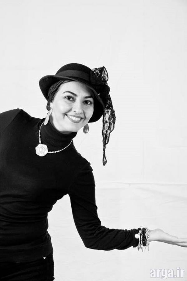 آناهیتا همتی در تصویر سیاه و سفید