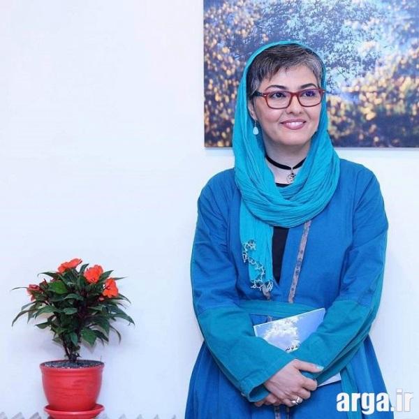 آناهیتا همتی با تیپ آبی