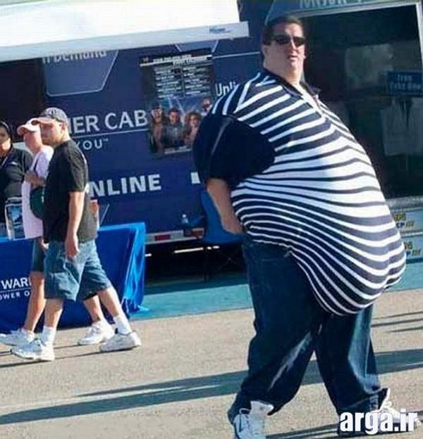 شکم خنده دار و بزرگ
