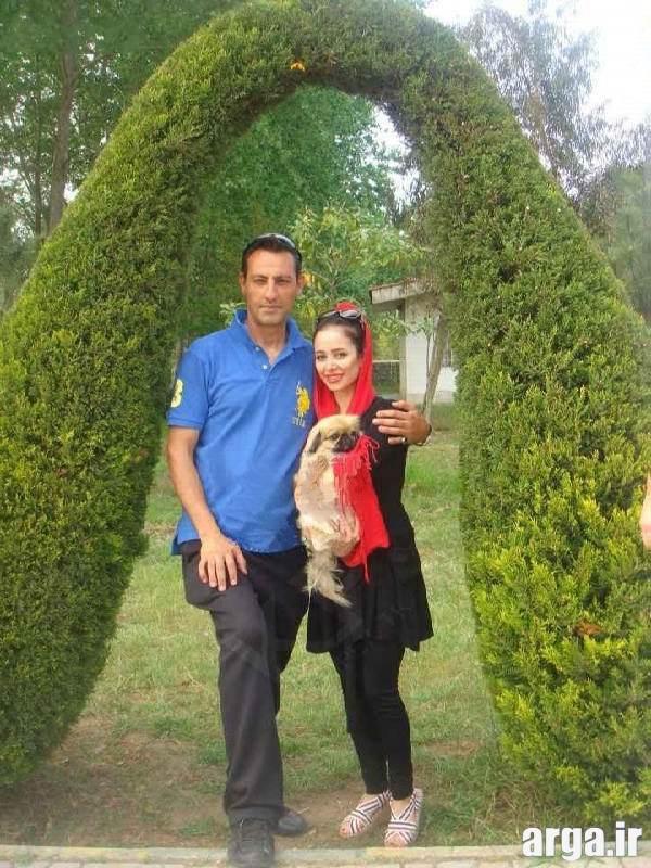 الناز حبیبی و همسرش در باغ