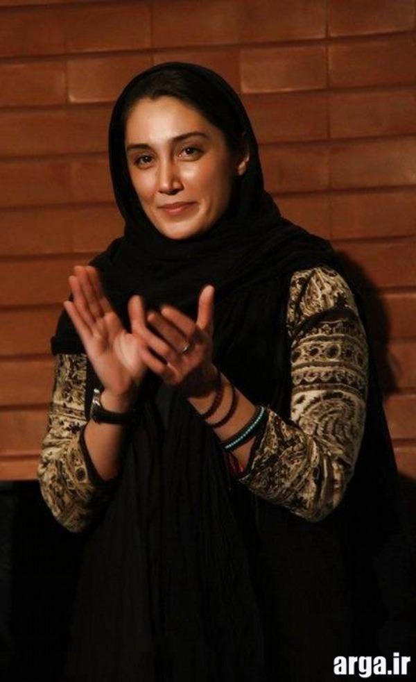 هدیه تهرانی در حال تشویق کردن