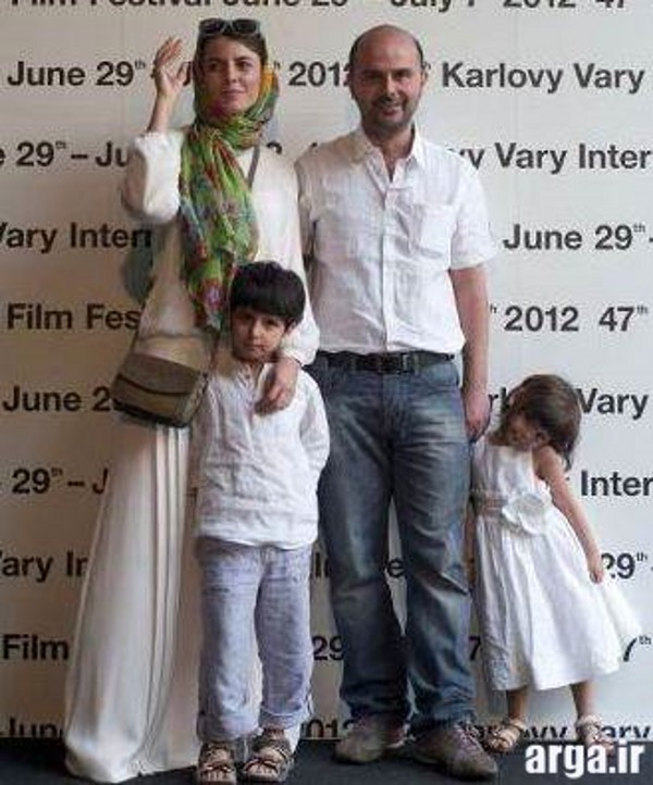 لیلا حاتمی در کنار همسر و فرزندانش
