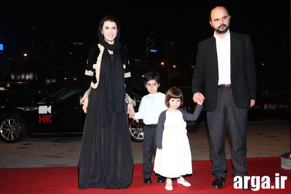 تصویر دیگری از لیلا حاتمی و همسر و فرزندانش