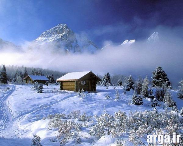 کلبه ای زیبا در منظره برفی