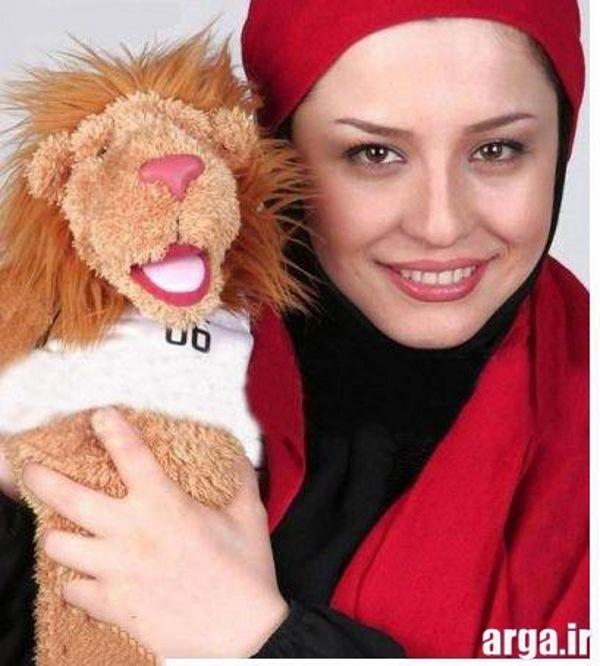 شریفی نیا و عروسک فیفا