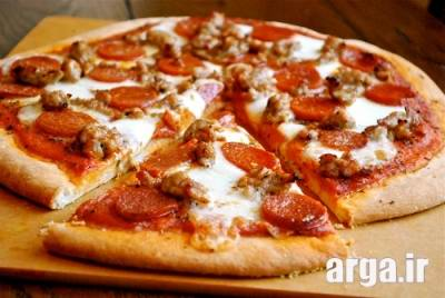 سس پیتزا پپرونی لذیذ