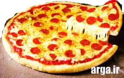 پنیر پیتزا در پیتزا پپرونی