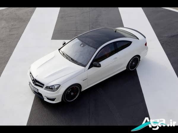 خودروی سفید مشکی بنز