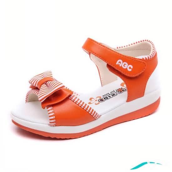 کفش دخترانه با دو رنگ سفید و نارنجی