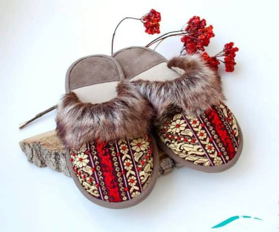 کفش با طرح سنتی