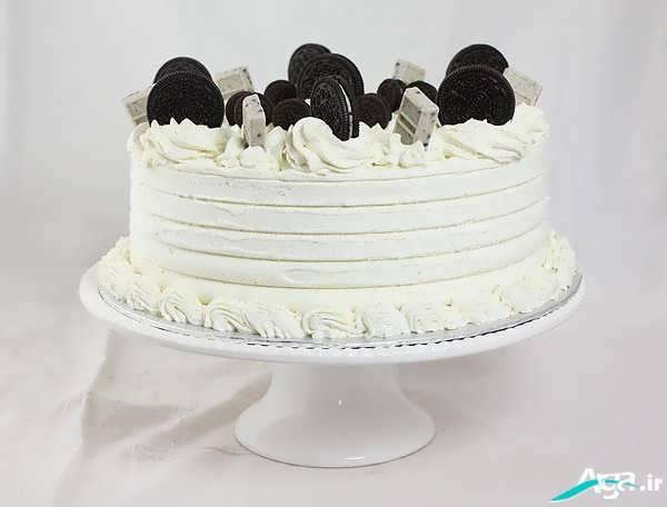 کیک تولد با خامه و شکلات