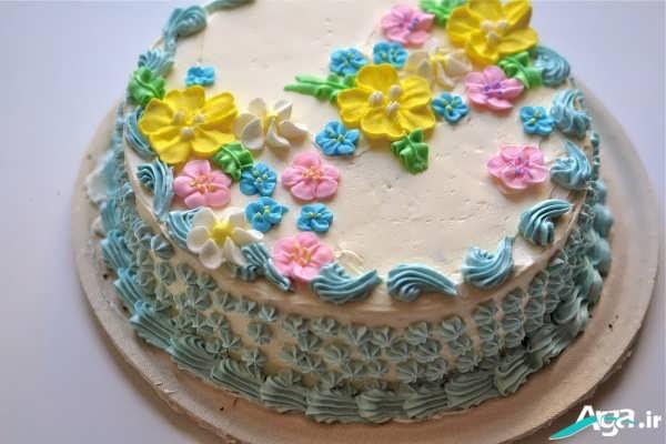 تزیین کیک خامه ای زیبا