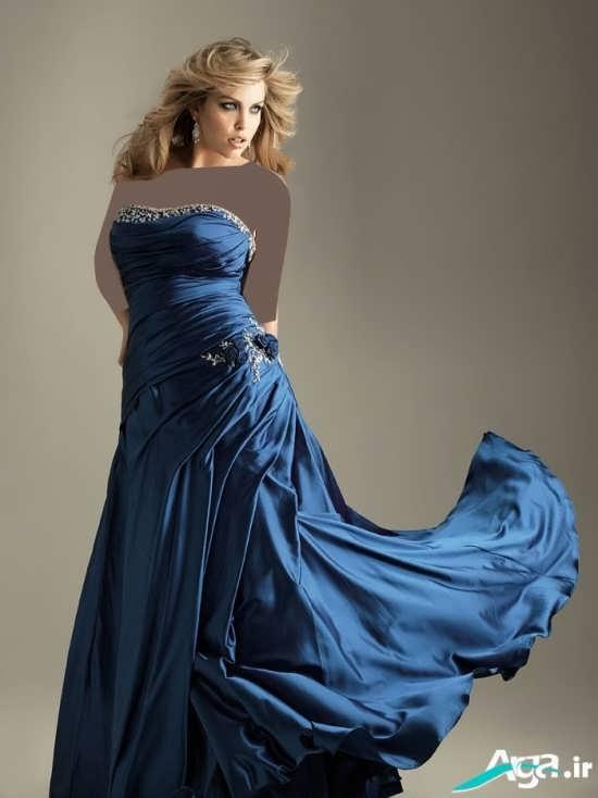 لباس مجلسی بلند و به رنگ آبی تیره
