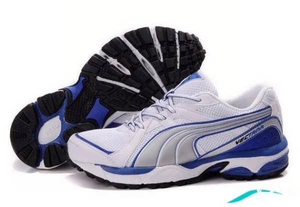 کفش اسپرت به رنگ آبی و خاکستری