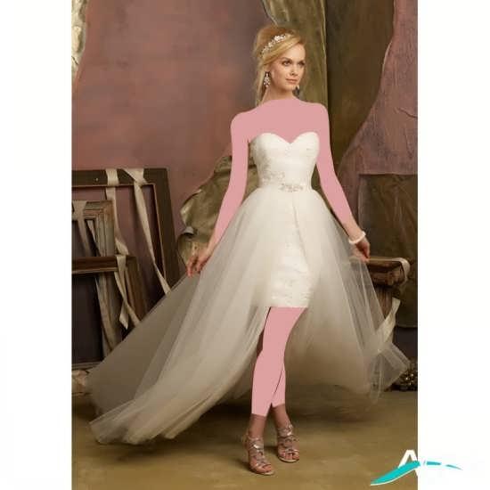 لباس عروس با دنباله ای زیبا