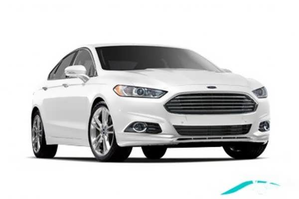 ماشین فورد سفید
