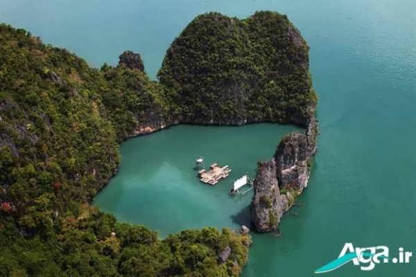جزیره ای شگفت انگیز در وسط دریا