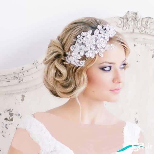 آرایش موی عروس ایرانی همراه با تاج