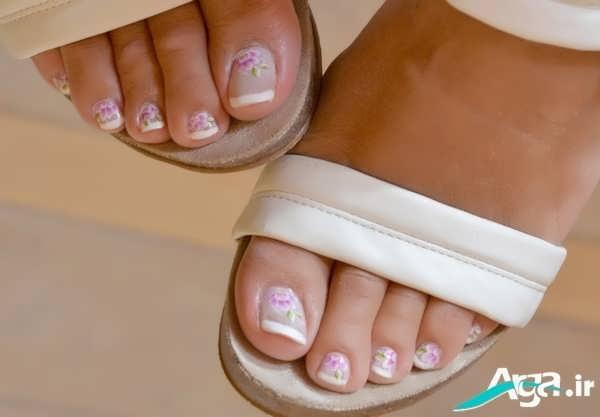 طرحی زیبا و ساده برای ناخن پا