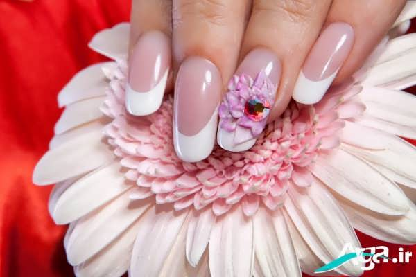 فرنچ ناخن با طرح برگ گل