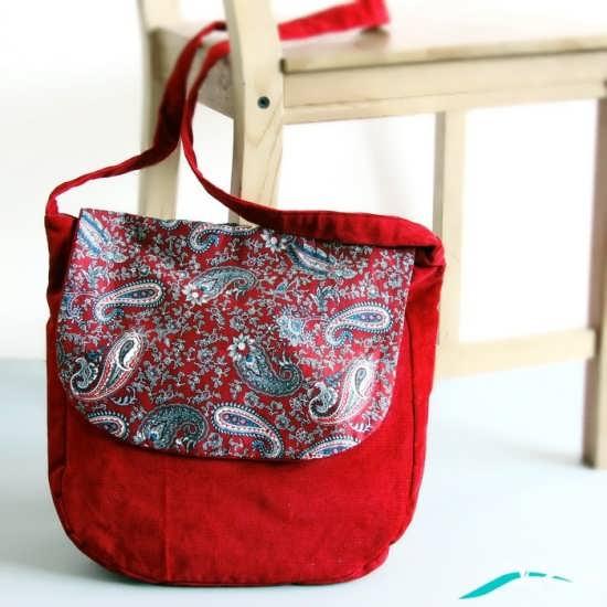کیف پارچه ای با طرح سنتی