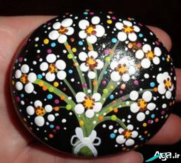 نقاشی خلاقانه روی سنگ